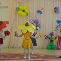 Мастер-класс по изготовлению цветочных шляпок для танца цветов на утренник к 8 Марта