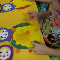 Дидактическая настольно-печатная игра «Наряди матрёшку» по формированию представлений о цвете и величине