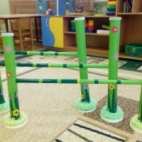 «Спортивная полянка». Нестандартное физкультурное оборудование для детей 2–5 лет