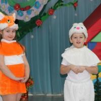 Фотоотчет о театрализованном представлении сказки «Заюшкина избушка» детей старшей группы