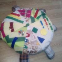 Дидактическое пособие для развития мелкой моторики рук, тактильных ощущений у детей младшего дошкольного возраста «Черепаха»