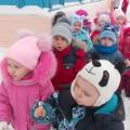 «Зимние забавы» на прогулке для младшей группы (фотоотчет)