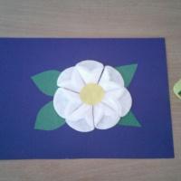 Мастер-класс к Дню матери «Поделка из цветного картона, бумаги и ватных дисков «Цветок для мамы!»