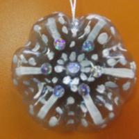Мастер-класс «Изготовление новогодней снежинки» из бросового материала