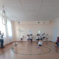 Физкультурный досуг в подготовительной группе «Чтоб расти и закаляться, будем спортом заниматься!».