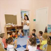 Фотоотчет о занятии по лепке во второй младшей группе «Угощение для куклы»