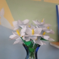 Мастер-класс: поделка из бросового материала «Первые цветы»