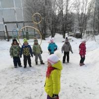 Игры на улице «Мороз— Красный нос»