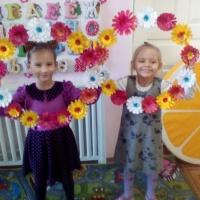 Мастер-класс по изготовлению цветочных кругов для танца к Дню матери