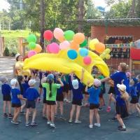 Фотоотчёт о проведённом спортивном развлечении «День крепкой дружбы» с детьми старшего возраста