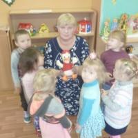 Безопасность в быту для дошкольников. Занятие для детей раннего возраста «Берегите пальчики»