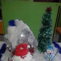 Фотоотчет новогодних поделок «Хорошо, что каждый год к нам приходит Новый год!» в средней группе