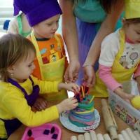 Конспект НОД по изобразительной деятельности (лепка) «Ягодный торт» в средней группе