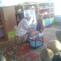 Беседа с детьми «Труд врача» во второй младшей группе