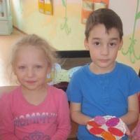 Фотоотчёт о лепке с детьми среднего возраста «Драпанки» для Курочки и Кролика»