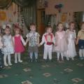 Фотоотчет «Мамин день» в группе раннего возраста «Птички-невелички»