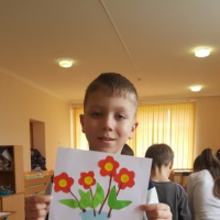 Занятие по аппликации «Цветы для мамы»