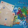 Инновационное многофункциональное дидактическое игровое пособие с резиночками «Мартышка— модница» (продолжение)