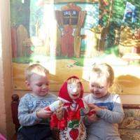 Конспектзанятия «Знакомство с Масленицей» в первой младшей группе