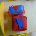 Дидактическая игрушка своими руками «Кубики» для развития мелкой моторики детей 3–4 лет