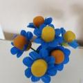 Мастер-класс по изготовлению поделки с использованием контейнеров от киндер-сюрприза «Цветок для мамочки»