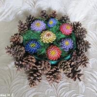 Мастер-класс «Букет цветов из шишек»