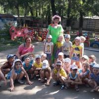 Фотоотчет «Летнее оформление участка детского сада своими руками» для старшей группы
