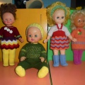 Фотоотчет «Вязаная одежда для кукол»