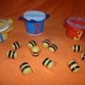 Мастер-класс по изготовлению пособия для приобретения навыков метания «Весёлые пчёлки в цветочках»