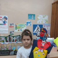 Фотоотчет «Творческие работы детей в рамках тематической недели «Правила и безопасность дорожного движения»