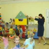 Конспект интегрированной образовательной деятельности «Листопад» в первой младшей группе