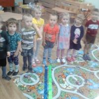 Фотоотчет развлечения для детей «Необычная прогулка»