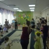 Мамин праздник в младшей группе (фотоотчет)