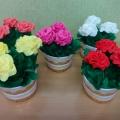 «Розы в горшочке». Мастер-класс по изготовлению поделки в подарок маме