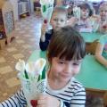 Детский мастер-класс в старшей группе «Букет цветов из ватных дисков»