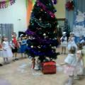 Новогодний праздник для второй младшей группы «Снеговик и дети»