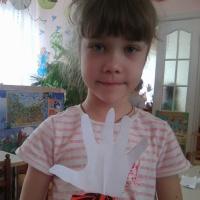 Детский мастер класс «Голубь мира на шпажке ко Дню Победы»