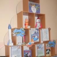 «Путешествие в космос». Фотоотчет о творческой выставке-конкурсе к Всемирному Дню авиации и космонавтики