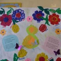 Стенгазета «Цветы для мамы» к празднику 8 марта