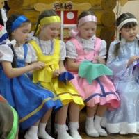 Фотоотчет о музыкально-театрализованном представлении по мотивам сказки «Снегурочка» (подготовительная группа)