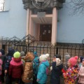 В рамках годового проекта «В мире книг» дети старшей группы «Янтарики» посещают Калининградскую областную детскую библиотеку
