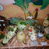 Выставка поделок из овощей и фруктов «Осенний переполох в саду»