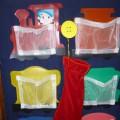 Дидактическая игра для детей 2–3 лет «Помоги гномику разложить сокровища по вагончикам»