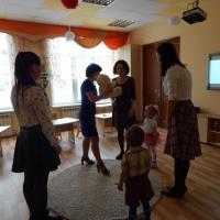 Конспект коррекционно-развивающей образовательной деятельности с детьми и родителями первой младшей группы