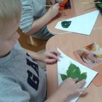 Конспект НОД в средней группе по художественному творчеству в нетрадиционной технике «Осенний ковер»