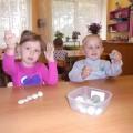 Консультация «Чем же можно позаниматься с малышами, чтобы развить ручную моторику?»