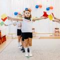 Фотоотчет о спортивном досуге с участием родителей, посвященном празднику «День защитника Отечества», для средней группы