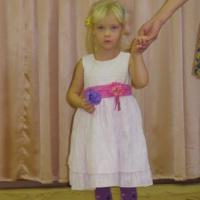 Фотоотчет о конкурсе чтецов «Мамочкародная!»
