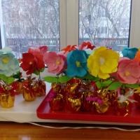 Чудесный цветок для любимых мам к 8 марта