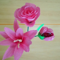 Мастер-класс «Цветы для мамы из гофрированной бумаги»